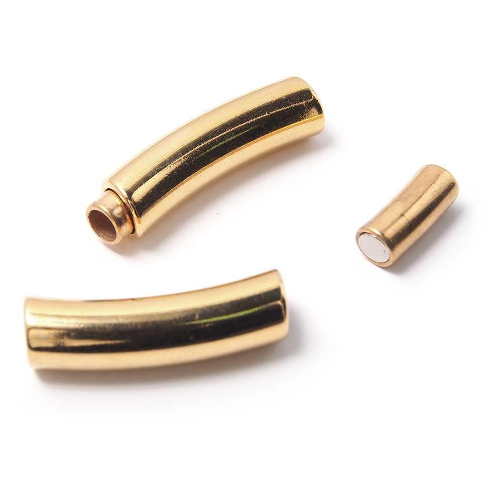 Cierre de imán Tubo Doblado Largo, para cuero redondo de diámetro 5 mm. Bañado en oro de 24 quilates.