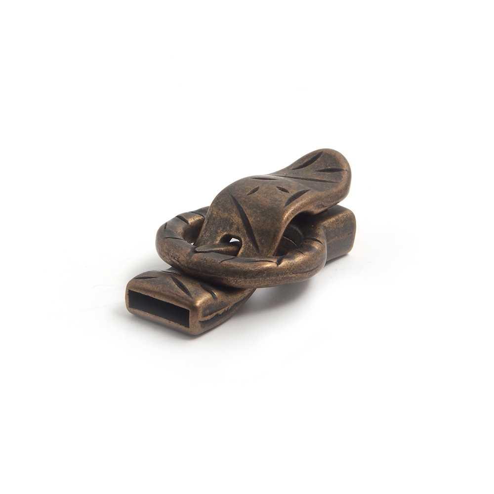 Cierre de imán bañado en oro envejecido, simulando el abroche de una correa, para cuero de 12,5mm x 2.5mm.