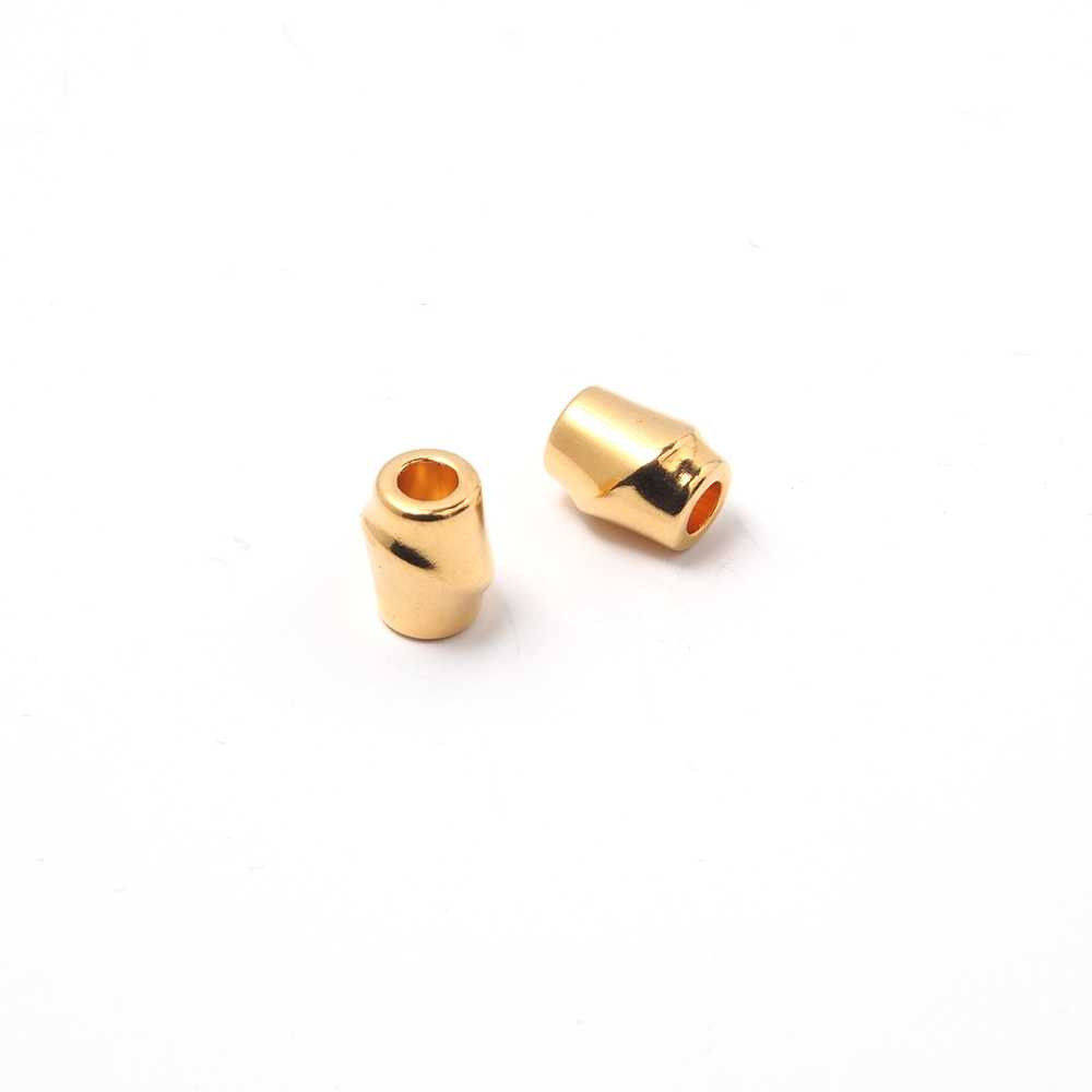 Entrepieza Bamboo, para cuero de diámetro 3mm. Bañada en oro de 24 quilates.