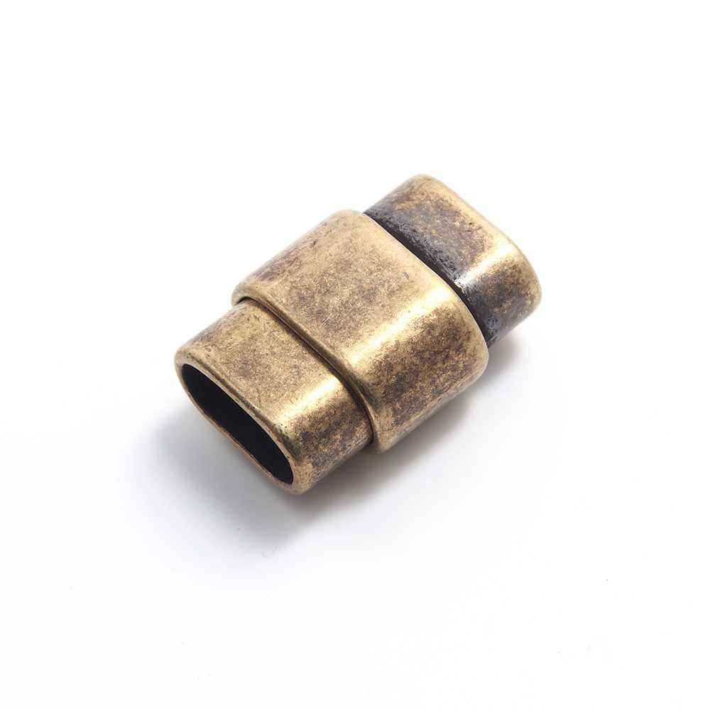 Cierre de imán bañado en oro envejecido, rectangular ovalado con huecos de 10mm x 4.5mm.
