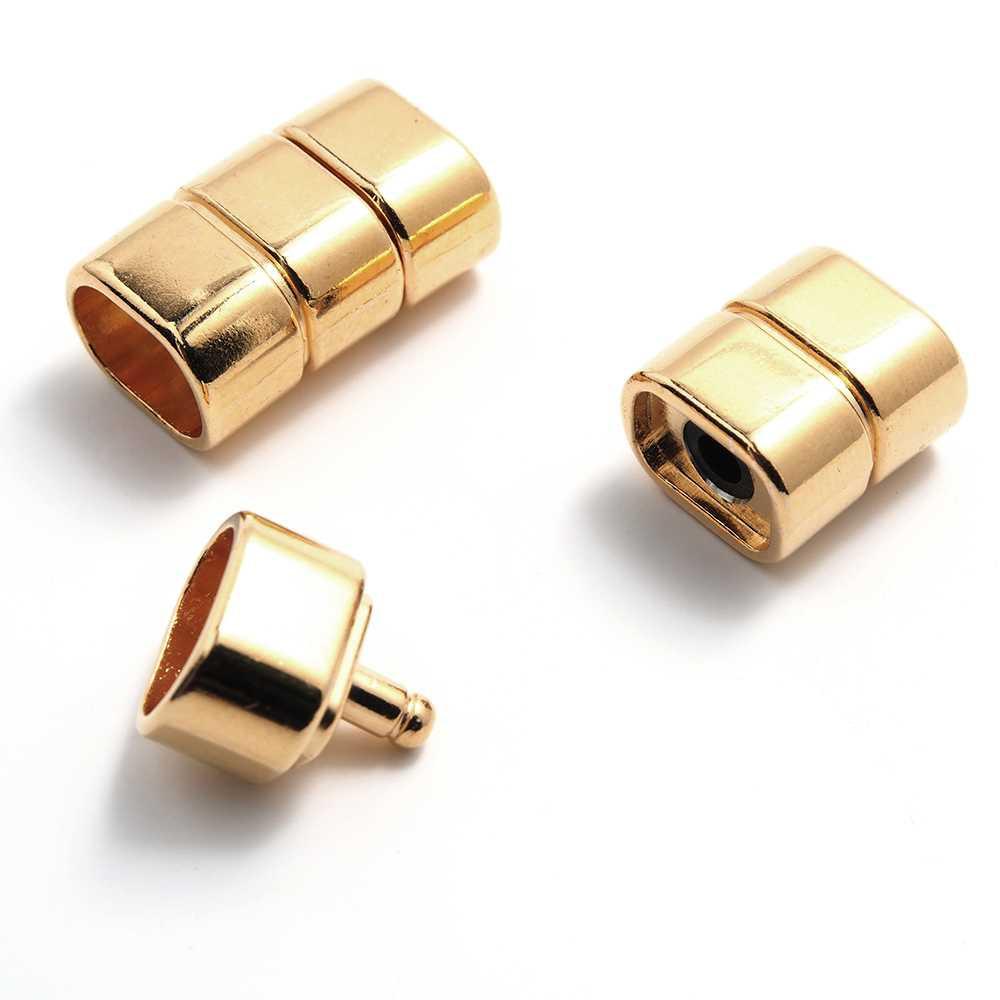 Cierre de presión simétrico, bañado en oro brillante, con hueco para cuero de regaliz (10.5mm x 7mm).