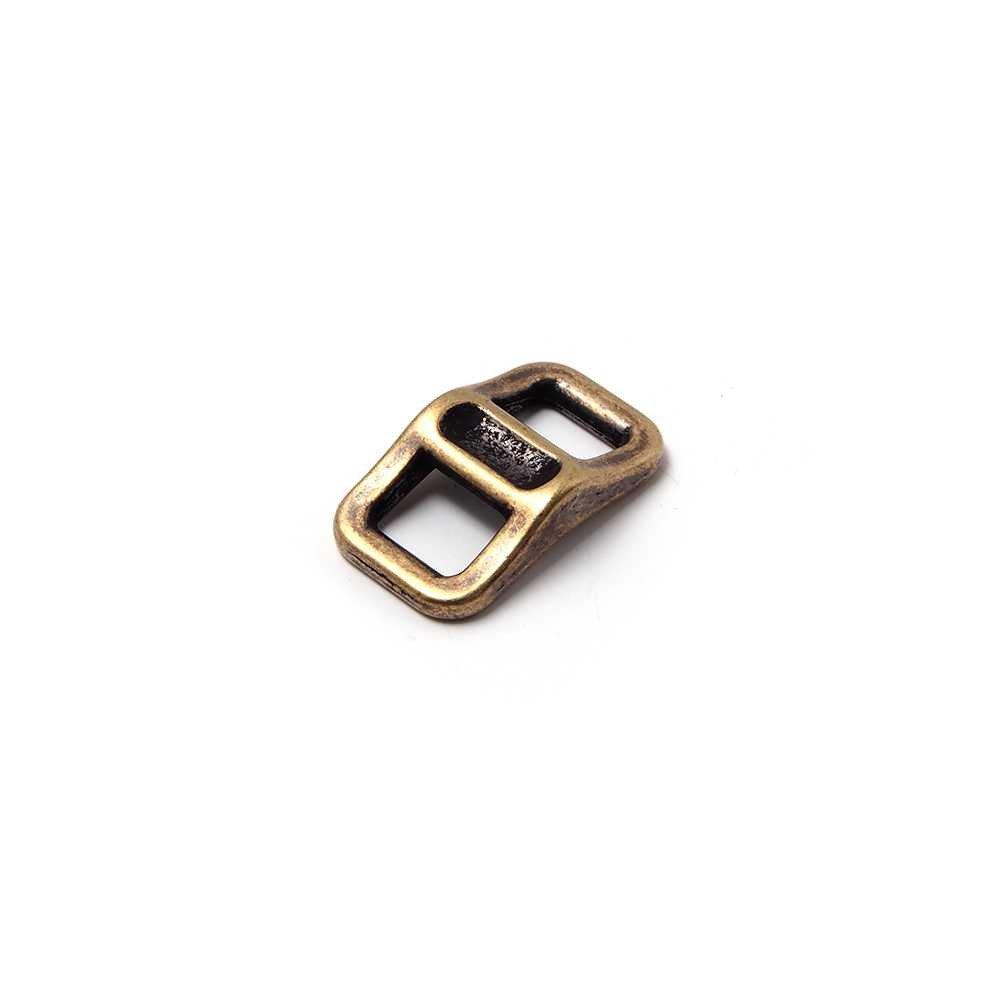 Trebilla Polo, con pase para cuero de 6.5mm de ancho. Bañado en oro envejecido.