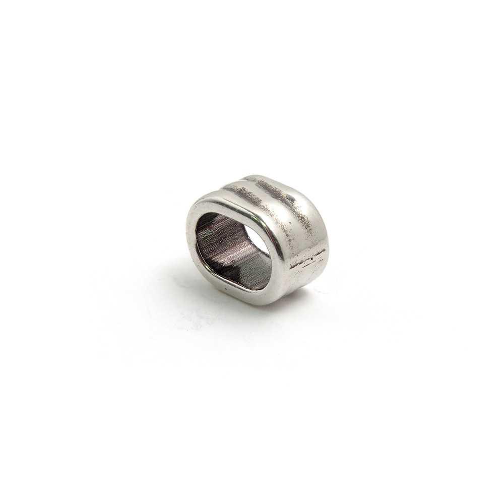 Entrepieza ondas para cuero regaliz (10.5mm x 7mm). Bañada en plata de ley oxidada.