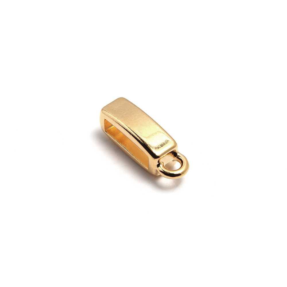 Entrepieza plana con argolla, con hueco para cuero de 9.5mm x 2.5mm. Bañada en oro de 24 quilates.