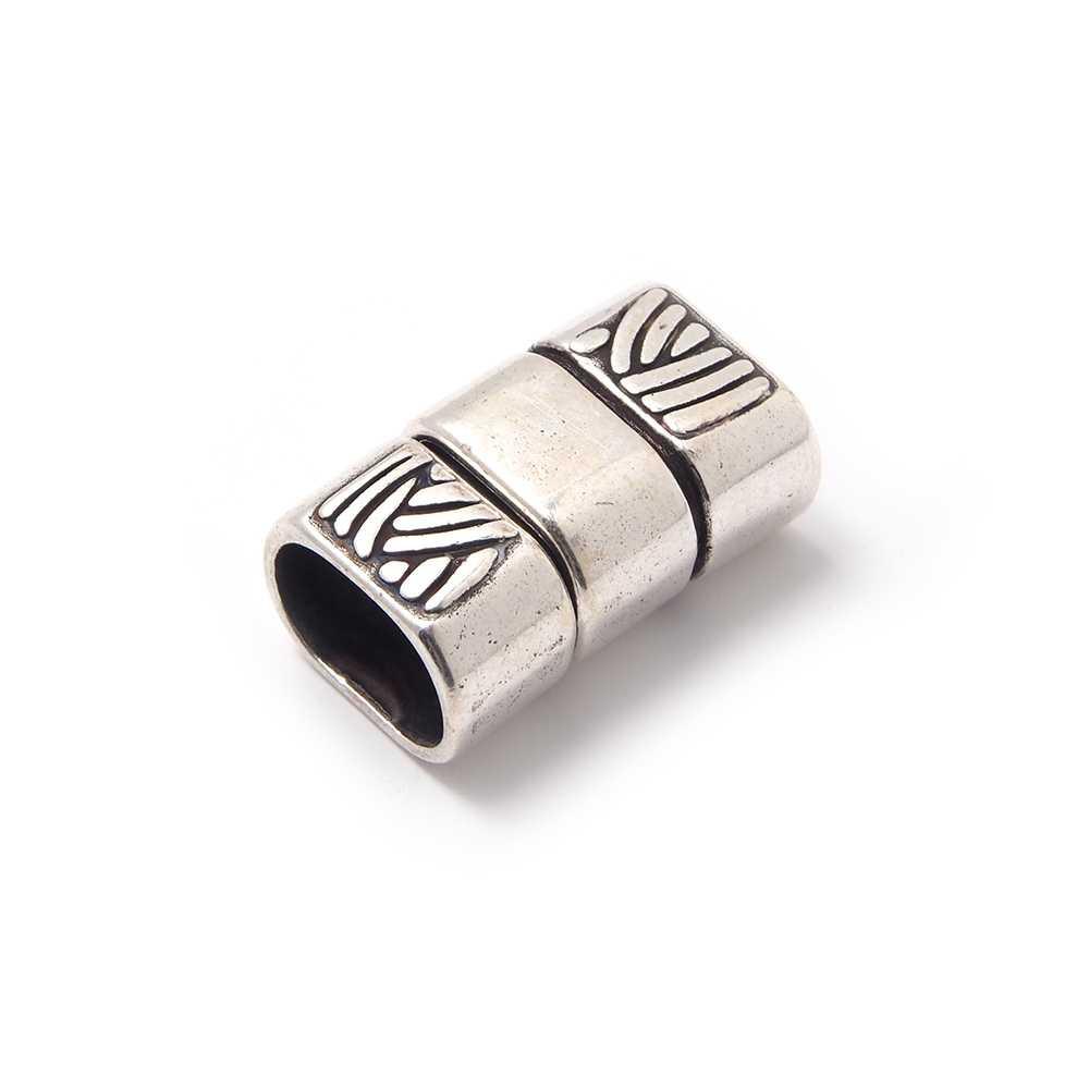 Cierre de presión Trenza Doble para cuero regaliz (10.5mm x 7mm). Bañado en plata oxidada.