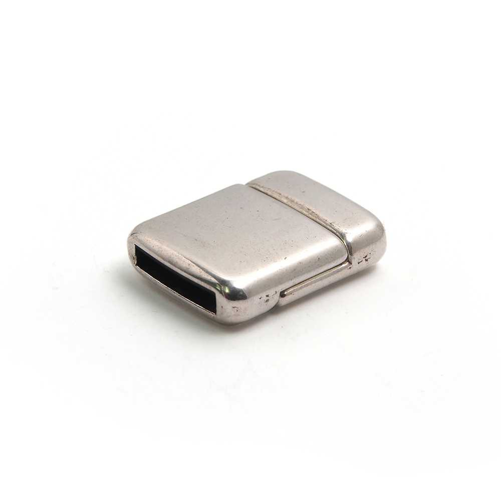 Cierre imán rectangular redondeado bañado en plata oxidada, 12.5mm x 2.5mm.
