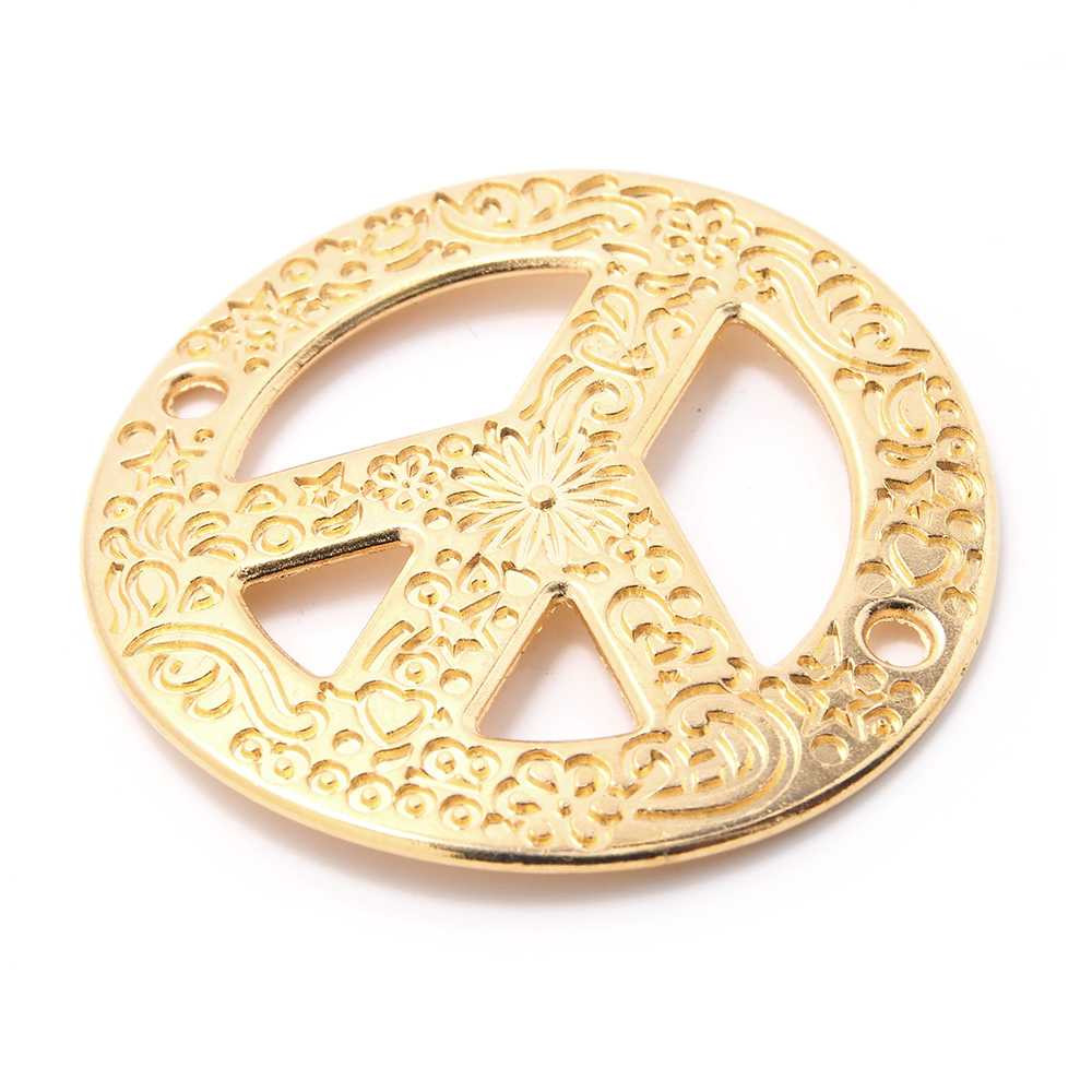 Pieza paz calada cóncava con grabado, con anillas de 2mm. de diámetro interior. Bañada en oro de 24 quilates.