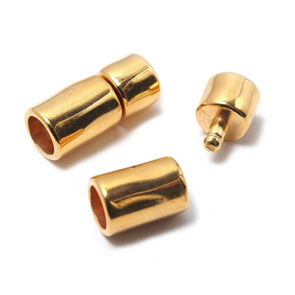 Cierre de presión Cilindro Irregular, para cuero redondo de diámetro 6mm. Bañado en oro de 24 quilates.