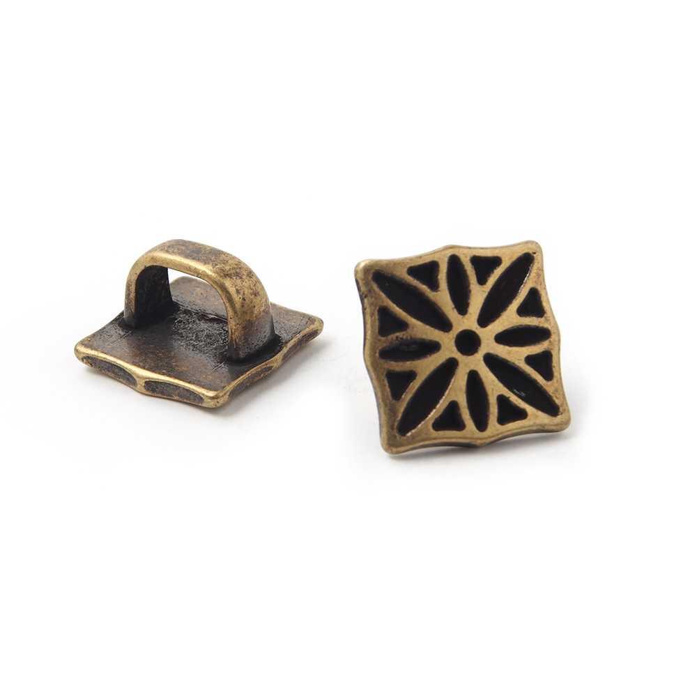 Entrepieza Cuadrado Gótico grande para cuero regaliz (10.5mm x 7mm). Bañado en oro envejecido.