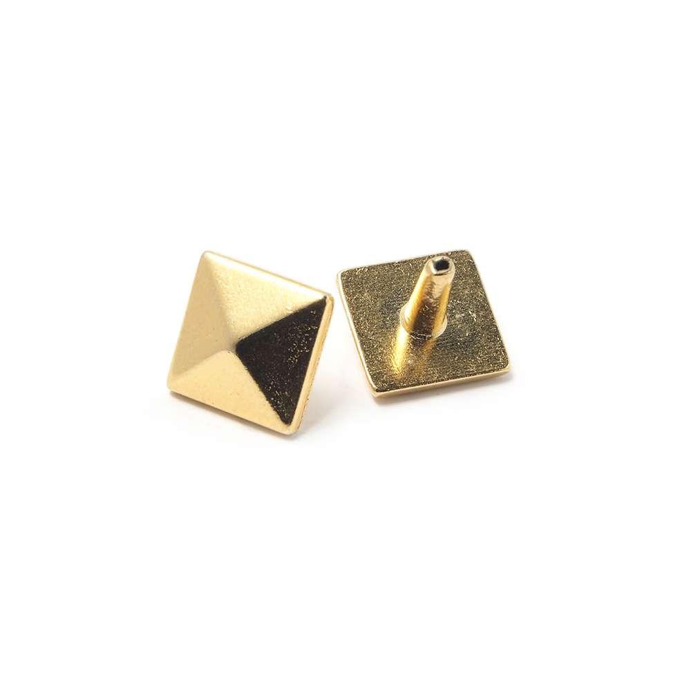 Tachuela Pirámide con pivote, bañada en Oro de 24 quilates.