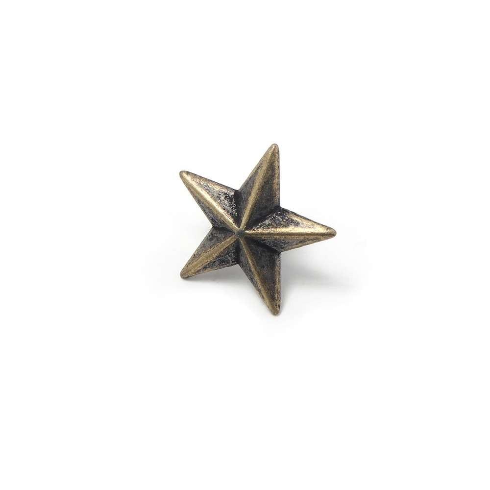 Tachuela Estrella con pivote, bañada en Oro envejecido.