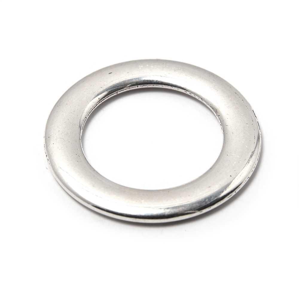 Aro Plano con pase interior de 19 mm. Bañada en plata de ley oxidada.