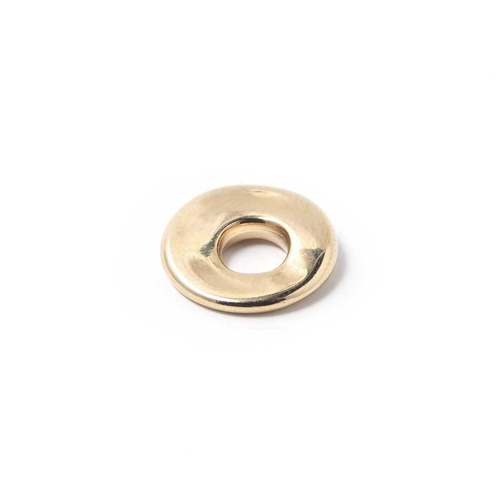 Disco Separador Golpeado 15mm con agujero redondo para cuero de 5mm de diámetro. Bañado en oro de 24 quilates.