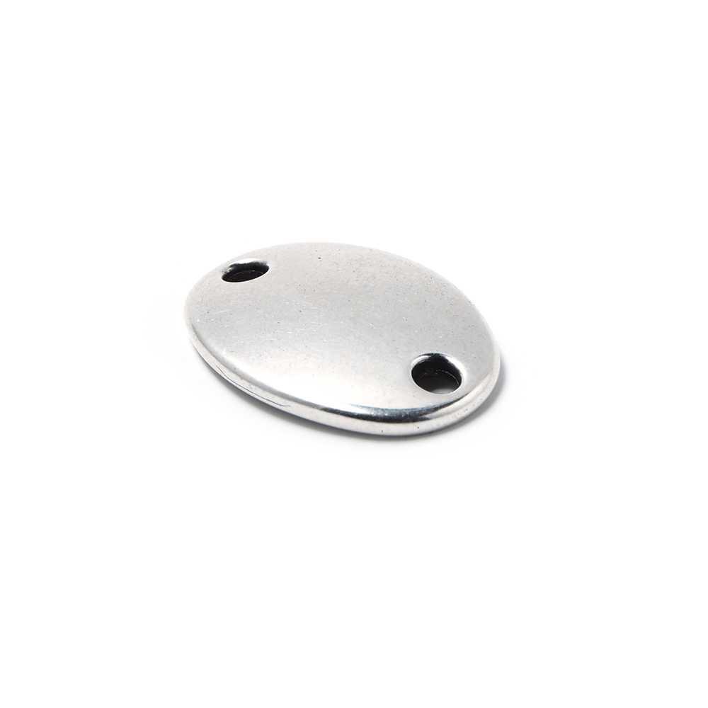 Abalorio Medalla ovalada lisa para grabar, con huecos de 2.5mm. de diámetro. Bañada en plata de ley oxidada