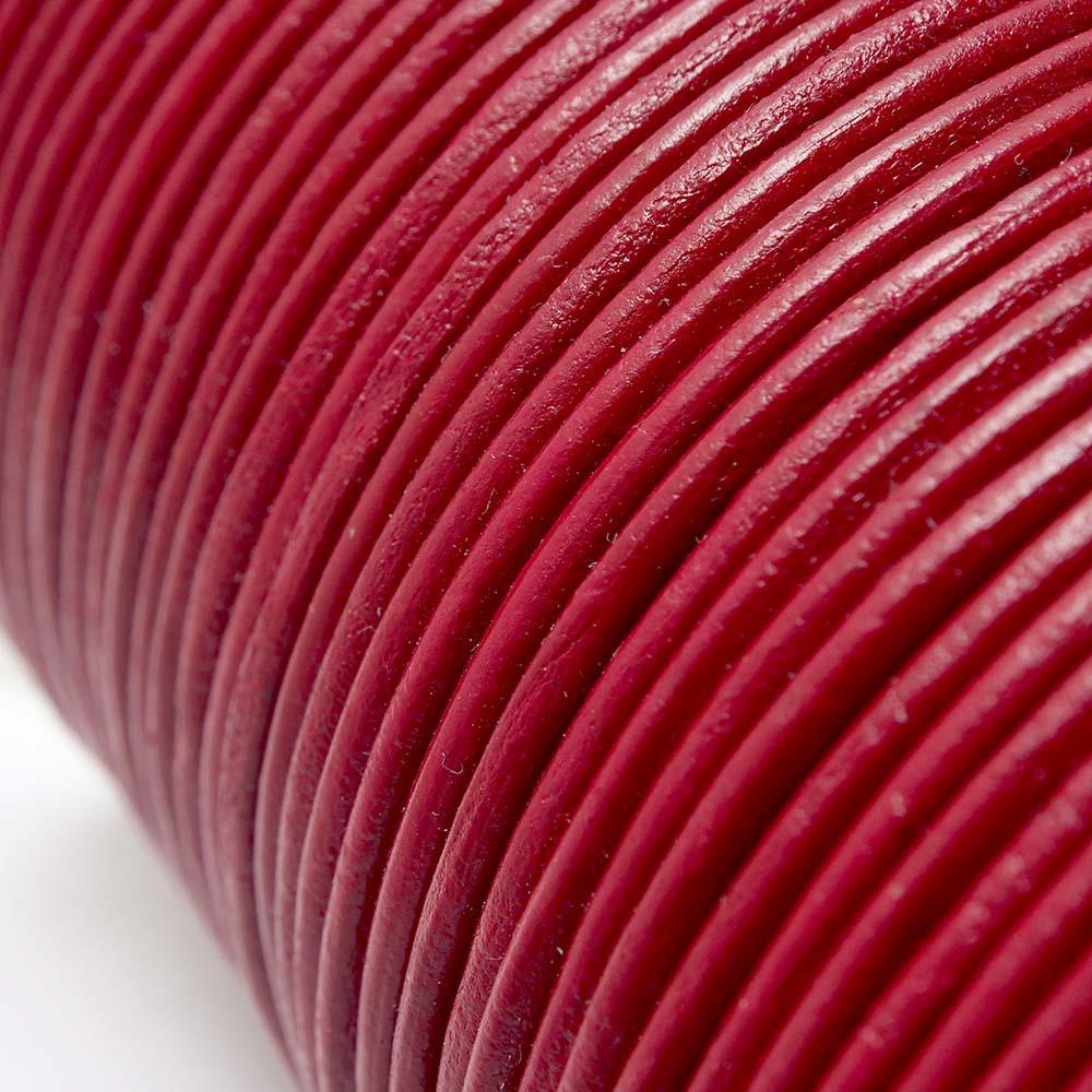Cuero redondo de 2mm de grosor. Color Rojo.
