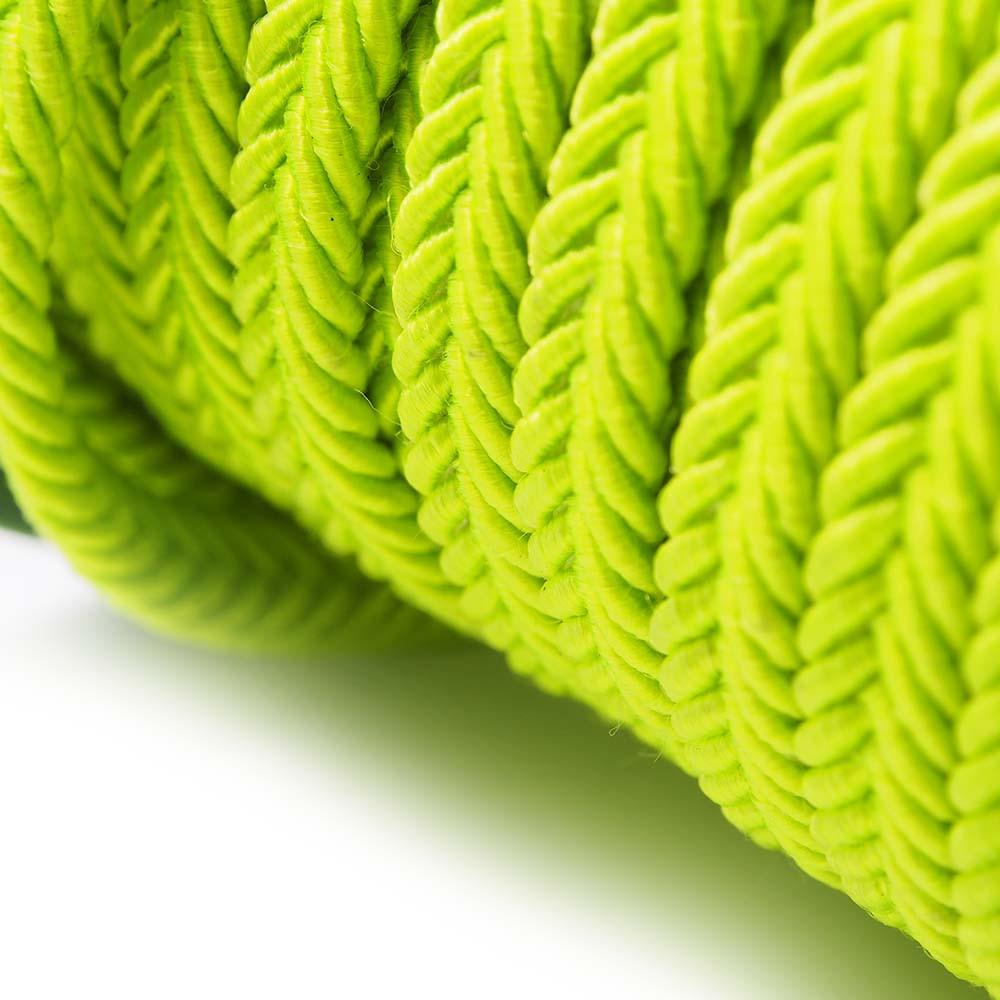 Cordón trenzado. Color verde fluorescente.