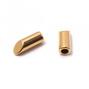 Terminal largo biselado, para cuero de 3 mm. de diámetro, bañado en oro de 24 quilates.