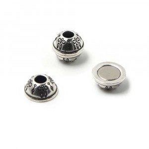 Cierre de imán bañado en plata oxidada, bola con filigrana, agujero de 5mm.