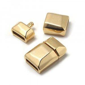 Cierre de presión facetado, para cuero de 9.5mm x 2.5mm. Bañado en oro de 24 quilates