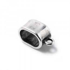 Abalorio Entrepieza fina con argolla, con hueco para cuero regalíz. Bañada en plata de ley oxidada.