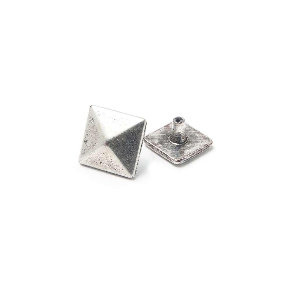 Tachuela Pirámide, plata óxido. (Remache incluido.)
