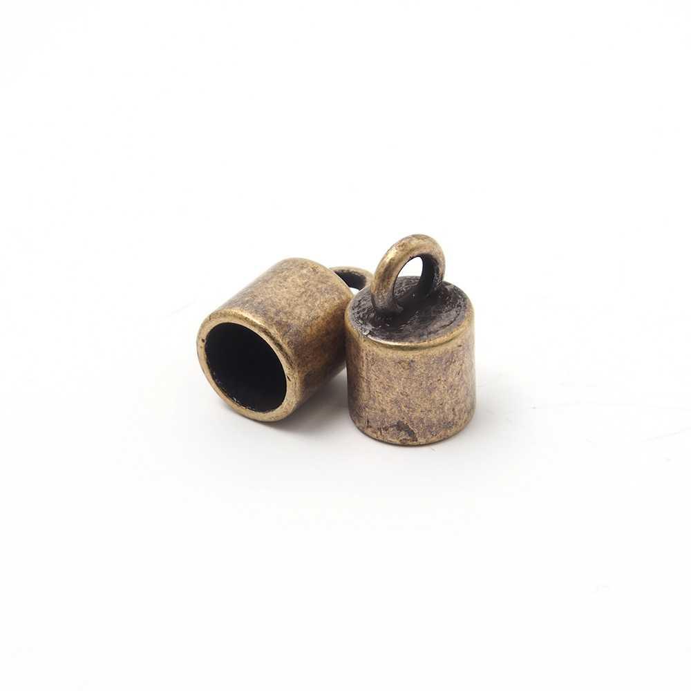 Terminal liso pequeño con argolla, 7.5mm, oro viejo.