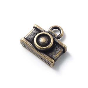 Abalorio colgante camara, anilla 2mm, oro viejo.