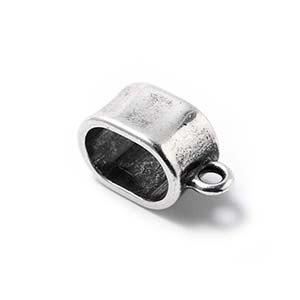 Abalorio Entrepieza gruesa con argolla, regalíz, plata óxido.